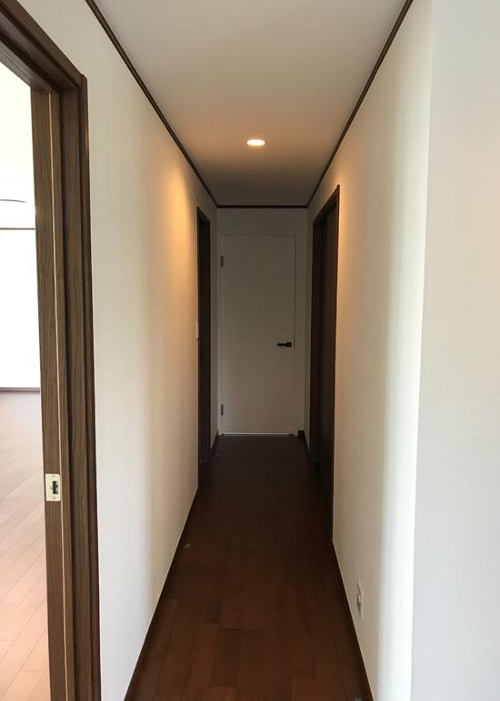 2階ホール廊下改修後2