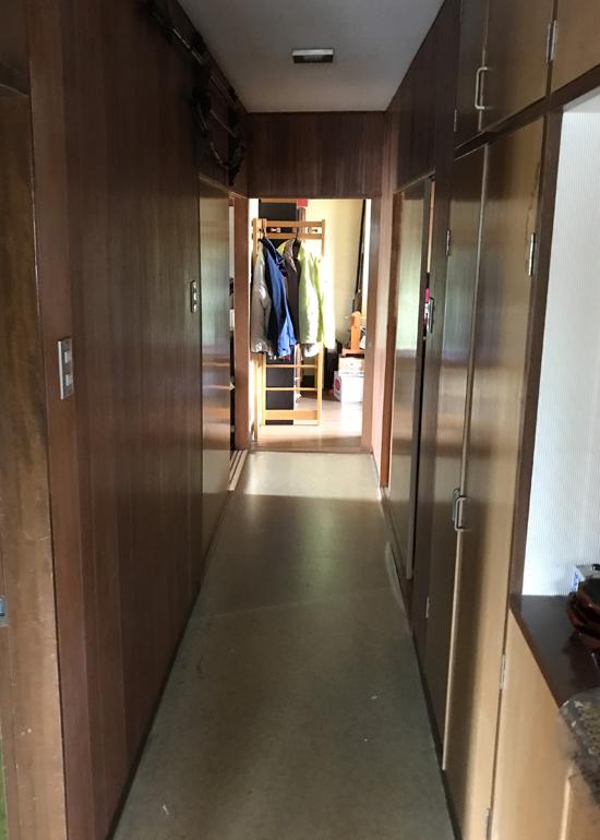 2階ホール廊下改修前2